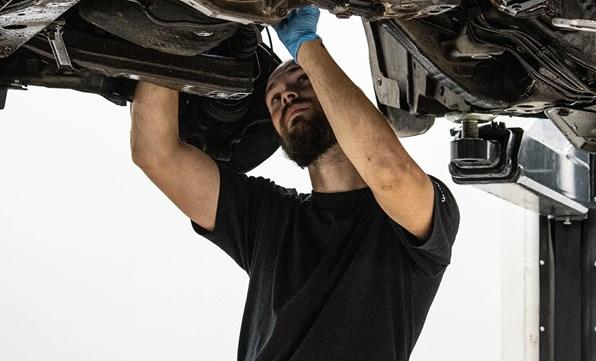 Komplet rustbeskyttelse og undervognsbehandling af din bil
